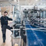 الجزائر تتجه نحو إعادة بناء  قطاع الصناعات التحويلية